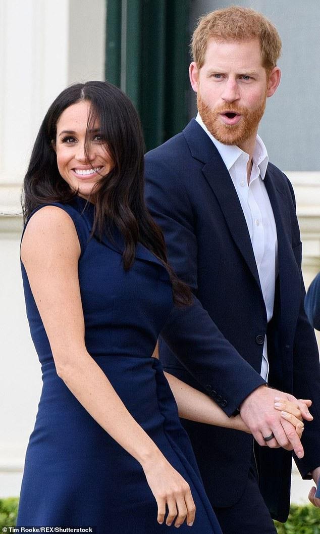 Đôi vợ chồng Hoàng gia không ngại phô bày tình cảm của mình dù ở bất cứ đâu