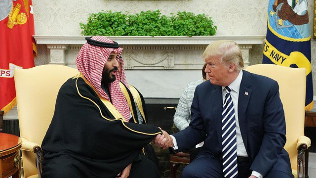 Tổng thống Trump đón Thái tử Ả rập Xê út Mohammed bin Salman tại Nhà Trắng hồi tháng 3. (Ảnh: AFP)