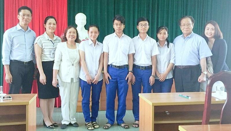 Hội khuyến học Báo Asahi Nhật Bản hỗ trợ học sinh nghèo du học - Ảnh 3.