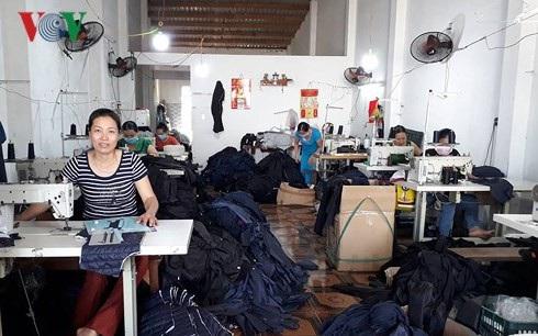 Tổ hợp tác may gia công ở phường Hòa Xuân, Quận Cẩm Lệ, TP Đà Nẵng.