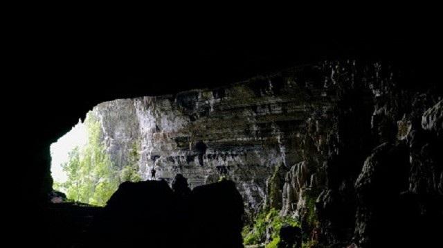 Quảng Bình: Chiêm ngưỡng vẻ đẹp huyền ảo của hang Tiên - 1