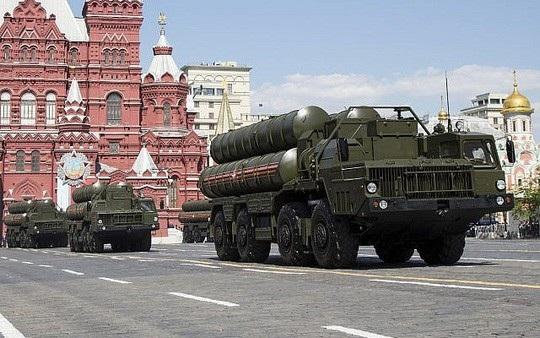 Hệ thống phòng không S-300 của Nga. Ảnh: AP