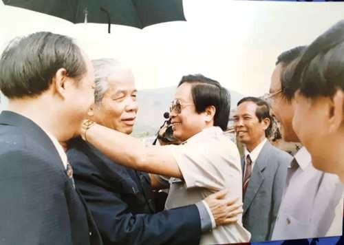 Kỷ niệm khó quên ngày đón bác Đỗ Mười trên công trường 500kV Bắc - Nam (Ảnh: TVN)