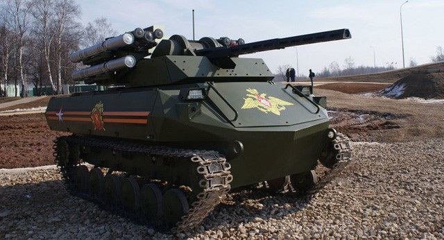 Robot chiến đấu Uran-9 của quân đội Nga (Ảnh: Sputnik)