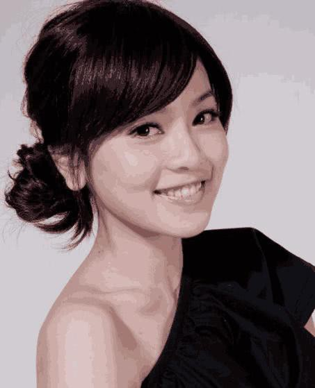 Hồng Uyên đã tạm nghỉ đóng phim để tập trung chăm sóc gia đình và trở thành hậu phương của chồng.