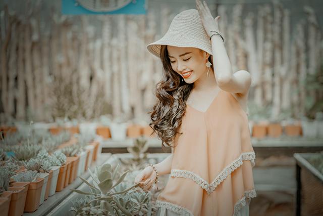 Hoa khôi Vũ Thanh Tú tươi tắn đón sinh nhật - 1