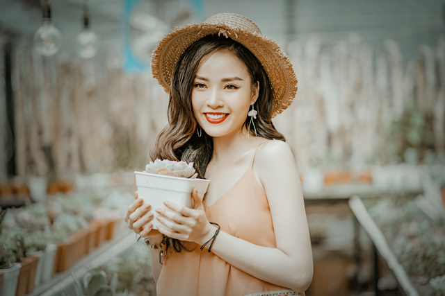 Hoa khôi Vũ Thanh Tú tươi tắn đón sinh nhật - 4