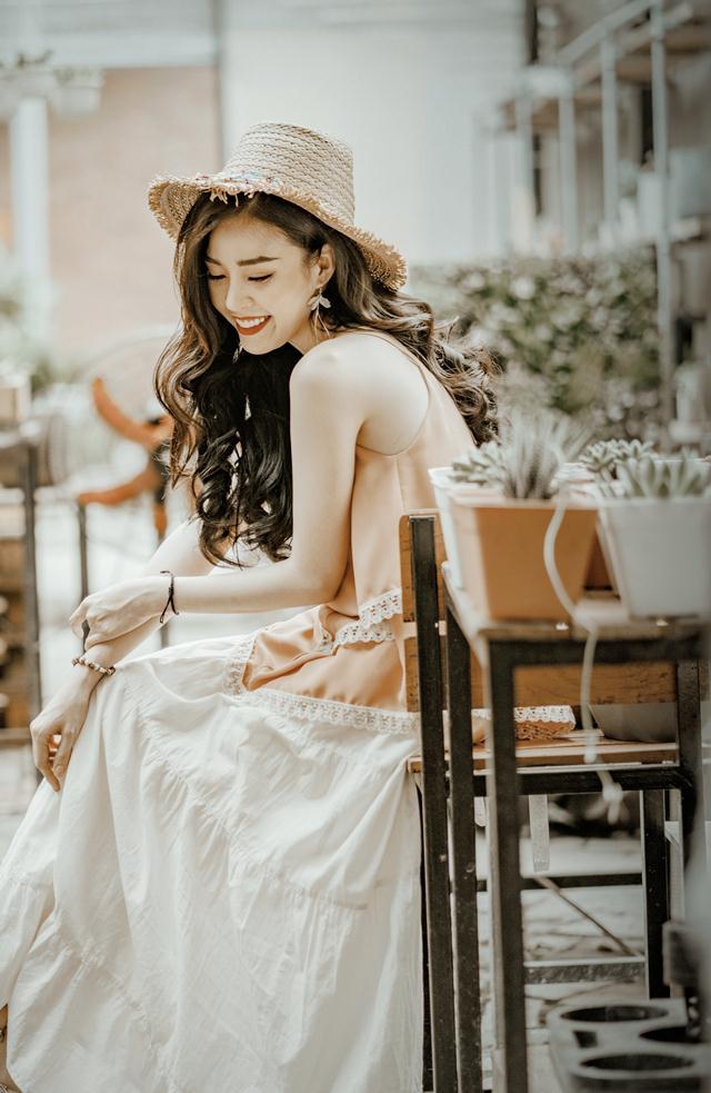 Hoa khôi Vũ Thanh Tú tươi tắn đón sinh nhật - 11