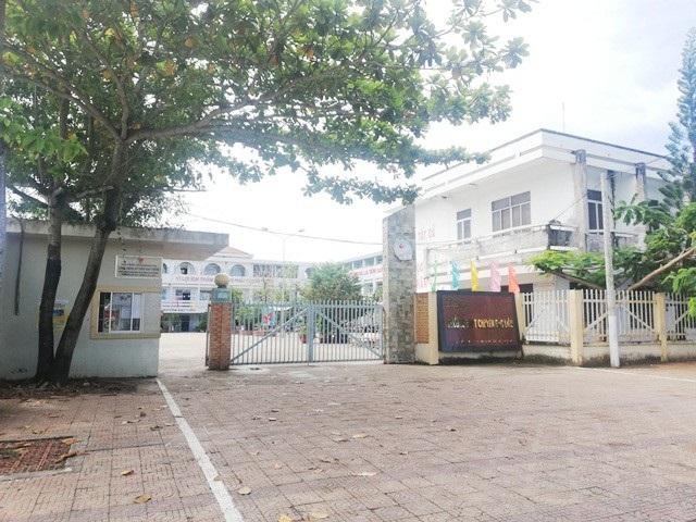 Trường THPT Chuyên Bạc Liêu, nơi xảy ra vụ việc.