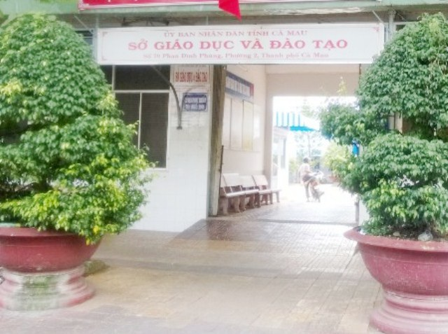 Chủ tịch tỉnh Cà Mau chỉ đạo Sở Giáo dục tăng cường kiểm tra, xử lý nghiêm tình trạng dạy thêm, học thêm không đúng quy định.