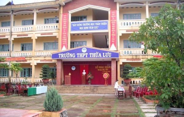 Đơn của các giáo viên đặt nghi vấn dẫn đầu tỷ lệ giáo viên được xét thăng hạng là trường THPT Thừa Lưu - một trường ở mức độ trung bình về chất lượng học sinh và đội ngũ giáo viên, số lượng được thăng hạng chiếm đến 45% số giáo viên toàn trường?