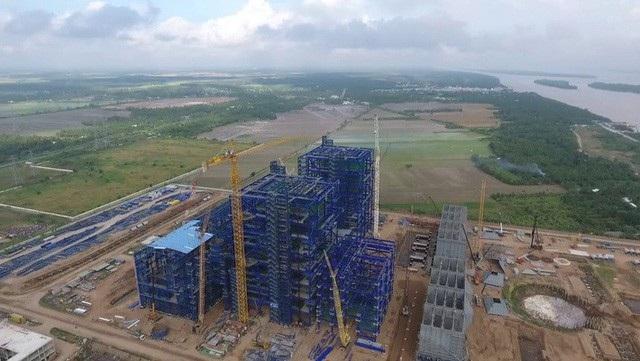 Nhà thầu Power Machines (PM - Nga) bị đưa vào danh sách các công ty bị cấm vận bởi Bộ Tài chính Mỹ khiến dự án Nhiệt điện Long Phú 1 gặp nhiều khó khăn.