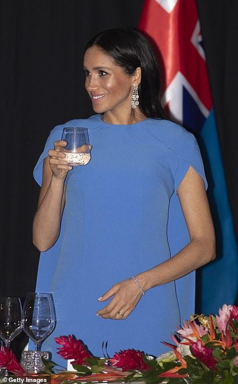 Công nương Meghan Markle và chồng Hoàng tử Harry tới thăm Fiji ngày 22/10 vừa qua