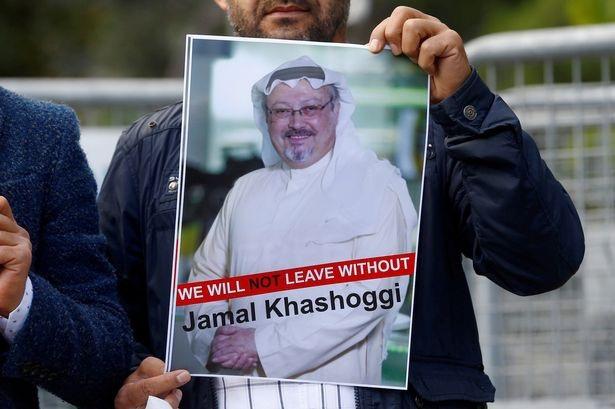 Những người ủng hộ đòi tiến hành cuộc điều tra về cái chết của nhà báo Ả rập Xê út Khashoggi (Ảnh: Reuters)