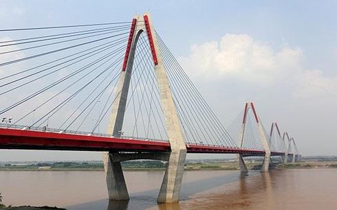Cầu Nhật Tân (Hà Nội) được xây dựng từ nguồn vốn ODA của Nhật Bản.(Ảnh: Kuno/JICA)
