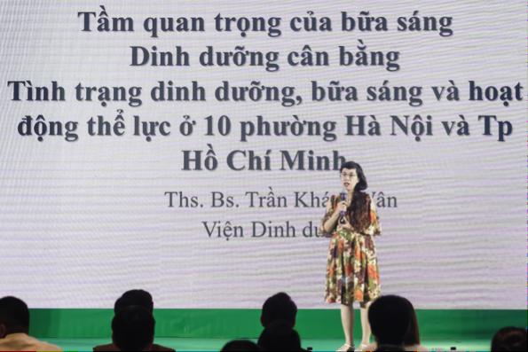 """Thạc sĩ, Bác sĩ Trần Khánh Vân chia sẻ: """"Bữa sáng cần cung cấp từ 25-30% năng lượng cho cả ngày."""""""