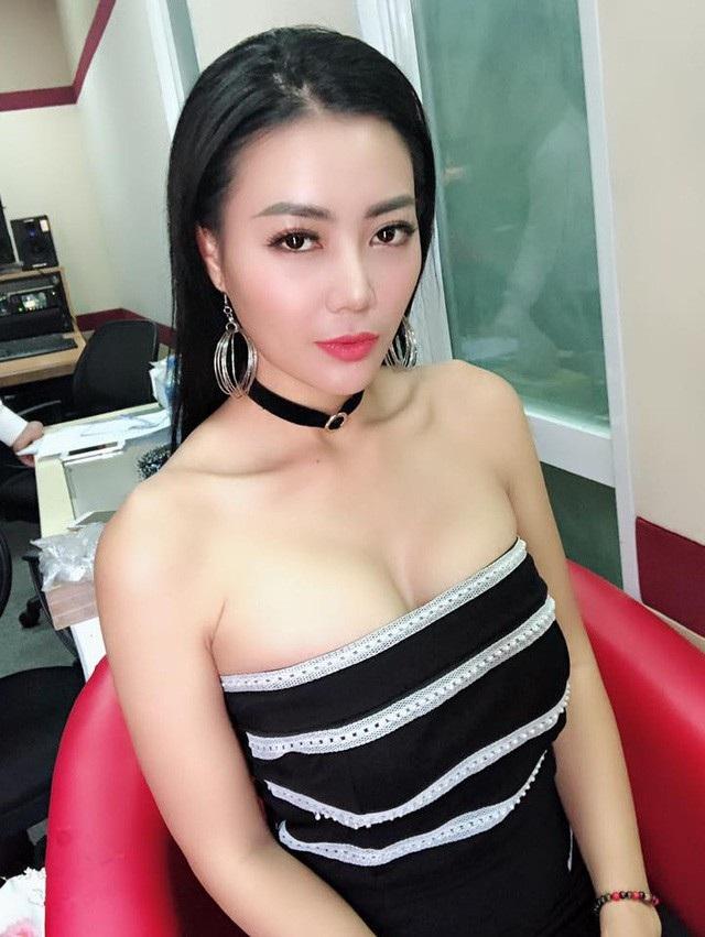 Một Thanh Hương xinh đẹp, quyến rũ, nóng bỏng ở ngoài đời.