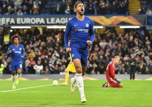 Loftus-Cheek lập hat-trick cho Chelsea trong lần hiếm hoi đá chính