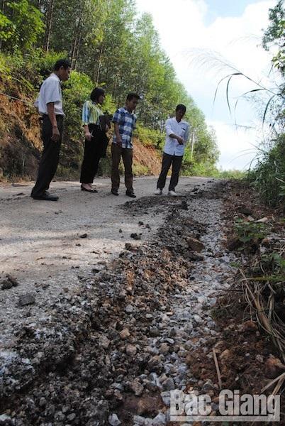 Công ty cổ phần Khai thác khoáng sản Bắc Giang: Đổ thải trái phép gây nguy hại cho người dân - Ảnh 3.
