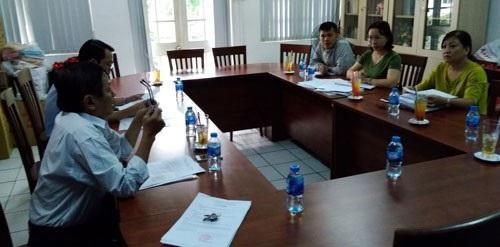 Người lao động trình bày nguyện vọng của mình trong một vụ tranh chấp lao động tại LĐLĐ quận 10, TP HCM