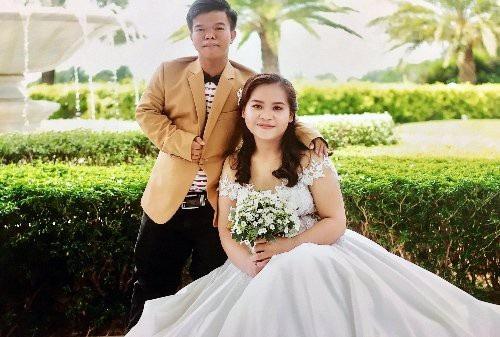 Phát và cô vợ đang là sinh viên ngành bác sĩ đa khoa năm thứ tư của Trường đại học Y dược Cần Thơ