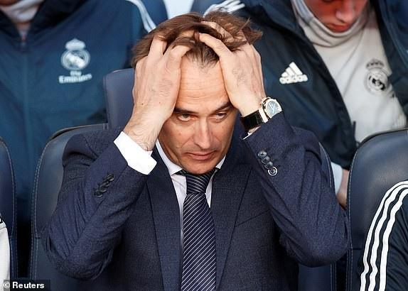 Nỗi thất vọng của HLV Lopetegui sau khi Coutinho mở tỷ số cho Barcelona