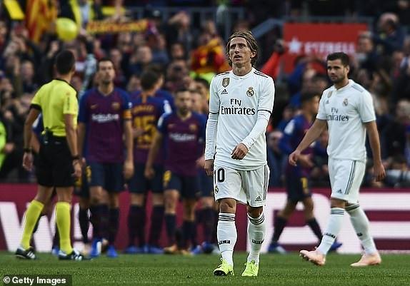 Nỗi thất vọng của Luka Modric cùng đồng đội