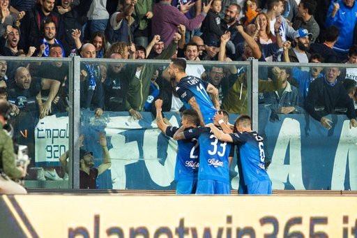C.Ronaldo tỏa sáng rực rỡ, Juventus lội dòng giành chiến thắng - 3
