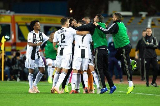 C.Ronaldo tỏa sáng rực rỡ, Juventus lội dòng giành chiến thắng - 7