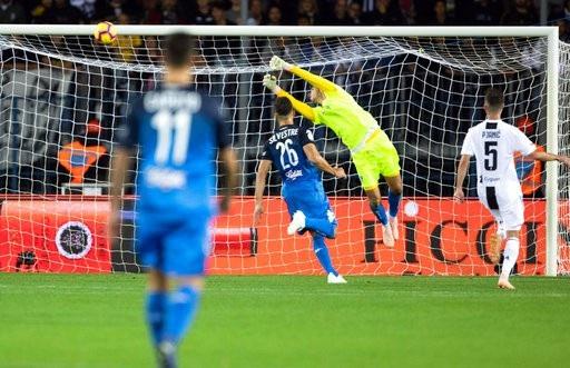 C.Ronaldo tỏa sáng rực rỡ, Juventus lội dòng giành chiến thắng - 6