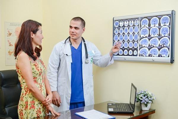 6 triệu chứng khó nhận biết của bệnh ung thư đại trực tràng ở nữ - Ảnh 3.