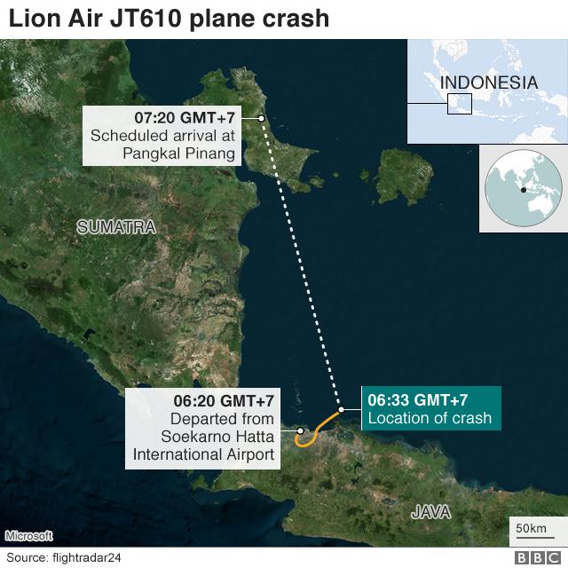 Lộ trình dự kiến của máy bay (đường gạch đứt) và quãng đường mà máy bay đã đi (đường màu gạch) trước khi đâm xuống biển. (Đồ họa: BBC)