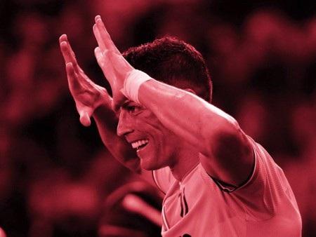 """C.Ronaldo vẫn đang """"quay cuồng"""" trong scandal hiếp dâm"""