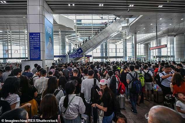 Đây là cuộc đại di cư lớn thứ 2 của người dân Trung Quốc, chỉ sau kỳ nghỉ tết Nguyên đán