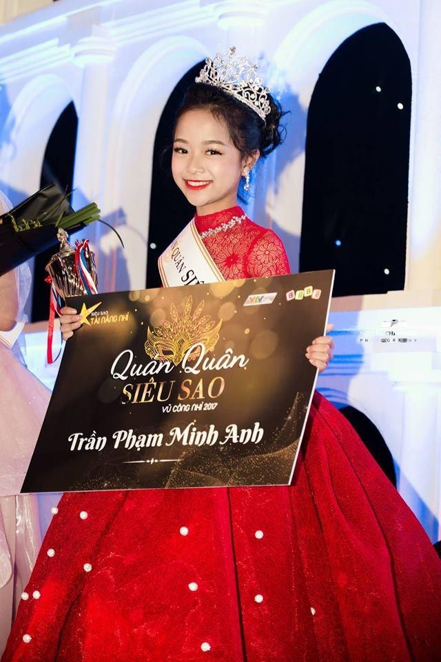 """""""Công chúa nhỏ"""" Minh Anh biến hóa theo nhiều phong cách khác nhau."""