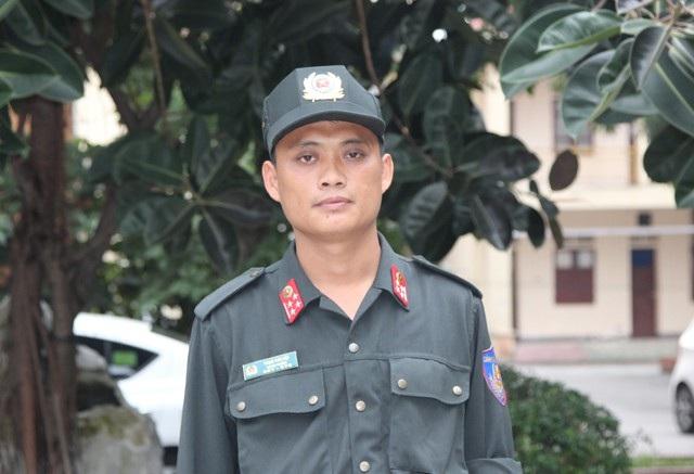 Đại úy Phạm Văn Hội - người đã trực tiếp tiếp cận, vận động, thuyết phục Lê Ngọc Sơn buông lựu đạn, đầu hàng sau 14 tiếng cố thủ ở trong nhà.