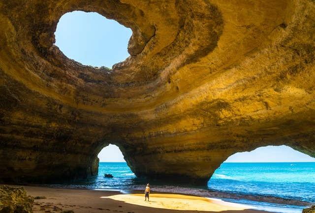 Điểm danh những bãi biển đẹp nhất Bồ Đào Nha - 1