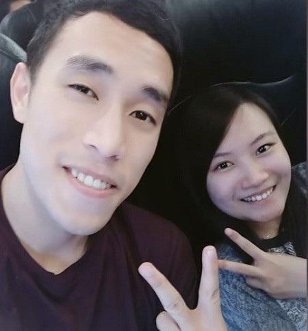 Chin chụp ảnh cùng bạn tiểu học Krystal Teh