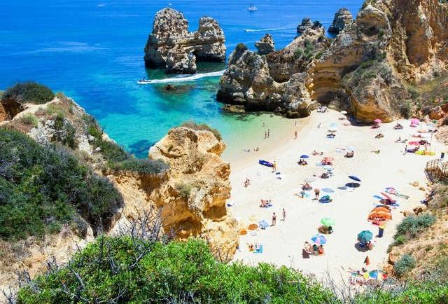 Điểm danh những bãi biển đẹp nhất Bồ Đào Nha - 3