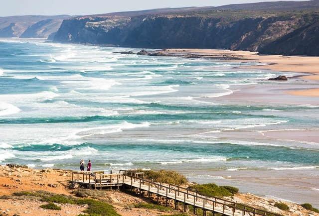 Điểm danh những bãi biển đẹp nhất Bồ Đào Nha - 4