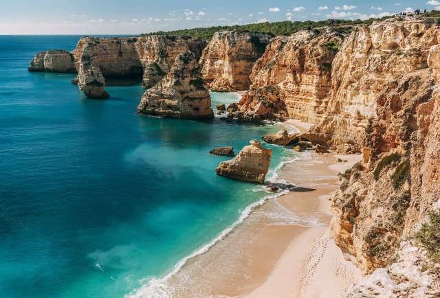 Điểm danh những bãi biển đẹp nhất Bồ Đào Nha - 5