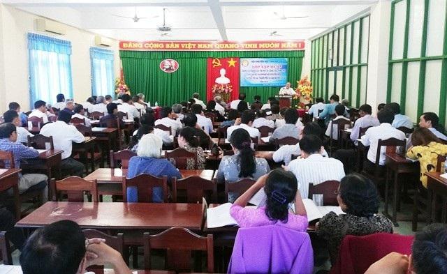 Tập huấn công tác khuyến học cho các cán bộ Hội Khuyến học cơ sở.