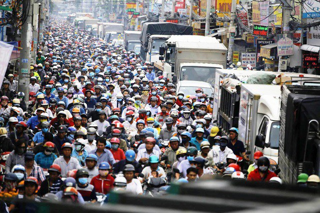 """Áp lực về giao thông, ngập nước đang là """"bài toán"""" nan giải của TPHCM"""