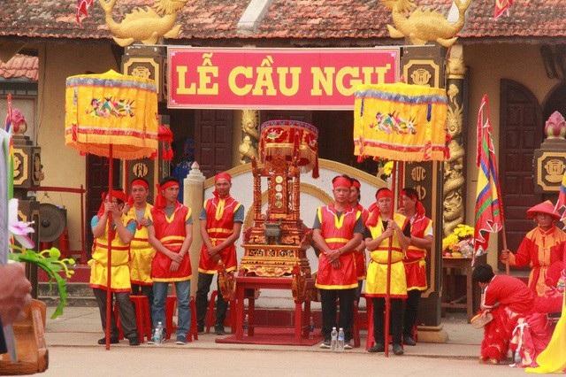 Lễ cầu ngư của ngư dân làng biển Cảnh Dương, huyện Quảng Trạch, Quảng Bình.