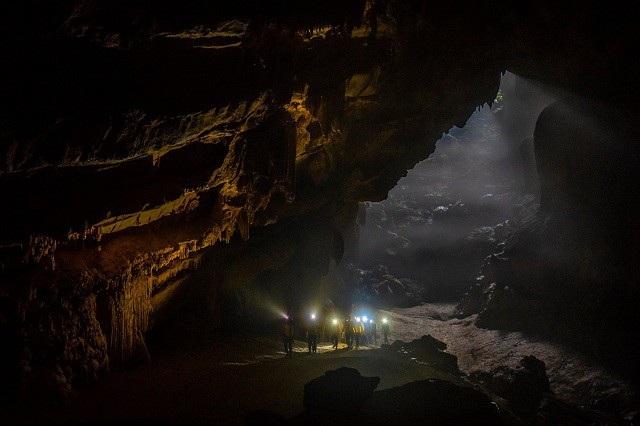 Thêm hang động tại Quảng Bình được đưa vào khai thác du lịch thử nghiệm - 1
