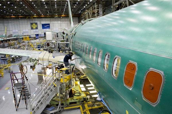 Bên trong nhà máy chế tạo máy bay của Boeing tại Washington, Mỹ. (Ảnh: China Daily)