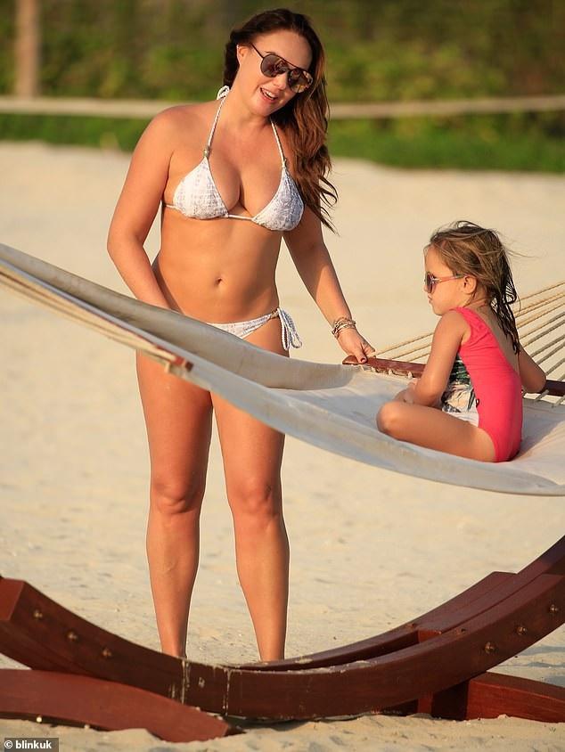 Tamara Ecclestone mới đây có tiết lộ thú vị là cô vừa mới cai sữa cho con gái 4 tuổi