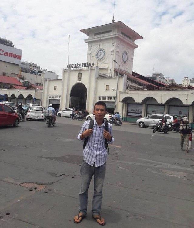 Em Quang Quốc Việt (xã biên giới Thông Thụ, huyện Quế Phong, Nghệ An) vào TPHCM để phúc tra sức khỏe