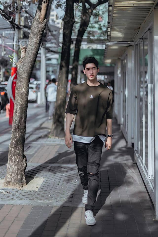 Đam mê thời trang từ rất sớm nên Noh đã có 3 năm kinh nghiệm làm người mẫu ảnh. Cậu bạn chỉ nhận chụp mẫu khi rảnh và làm chủ yếu ở Thái Lan.