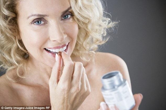 Cơ quan y tế của Anh trước đây thường khuyên người lớn và trẻ em thử uống các loại vitamin